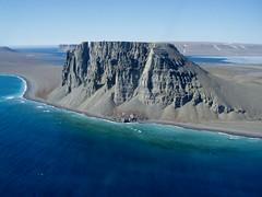 Nunavut, Canada (M. Carpentier) Tags: ocean mer canada water north bleu nunavut montain nord