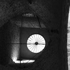 Toiture dans les ruines du Mont Saint Eloi. Abbaye (fourmi_7) Tags: ruine guerre btiment