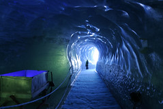 Le tunnel (NicNic54) Tags: tunnel montblanc glace d90