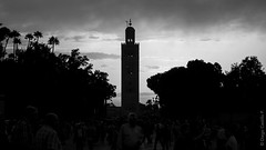 Koutoubia Mosque 2, Marrakech (diego.castillop) Tags: africa bw byn canon mosque arabic morocco maroc marrakech medina mezquita marrakesh marruecos koutoubia almagrib diegocastillo t2i kutibia