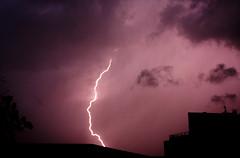 S T O R M (t i g l a ) Tags: toulouse avril orage midipyrnes clair