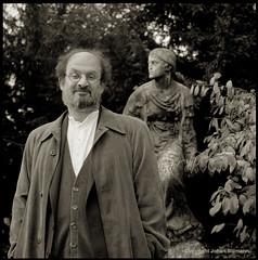 Rushdie (Johan Biilmann) Tags: portrait film outdoors kodak hasselblad 400 1995 salman planar tmy cameraraw rushdie silverefex biilmann