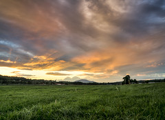 Sunset over Ascutney (Max Kotchouro) Tags: hanggliding morningside