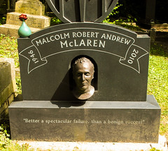 26-Highgate Cemetery East - Malcolm McLaren (1 of 1) (md2399photos) Tags: 11aug16 dickwhittingtonscat highgatecemetery karlmarx london notesonblindness stpancras themeetingplacebypaulday
