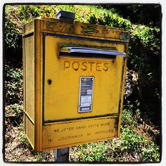 Ni journaux, ni imprims. #France #postes #brievenbus #postbox (Comicbase) Tags: postbox brievenbus postes instagramapp square squareformat iphoneography lofi