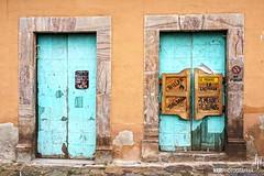 Entrada turquesa (hapePHOTOGRAPHIX) Tags: 484mex 484slp américadelnorte architektur fujix100 farben mauer mexico mexiko méxico nordamerika northamerica realdecatorce sanluispotosí tür colors door hapephotographix pared puerta turquesa turquois turquoise türkis türkisfarben wall dsplyys