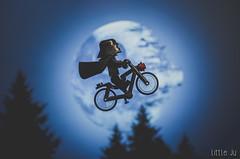 Artificial Moon Light (little ju !) Tags: darthvader lego minifig moon artificial bike et cinma
