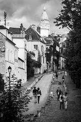 Tous les deux  Montmartre (Elie RIVIERE) Tags: amoureux france montmartre nikond500 paris personnage