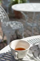 tea time (sapiens5) Tags: chateau de trvarez bzh bretagne 2016 pentax k5iis 35mm tasse th terrasse extrieur table chaise fer forg bokeh