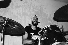 Garrafa Vazia - Teve Bailo! (patollino) Tags: garage punk rock paulera musica music show pow garrafa vazia rio claro interior sp