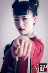 Geishas-Huichi-143 (Ardo Gwyddon) Tags: asiangirl asianmodel beautiful beauty brunette estudio face geisha geishas katana kimono modelo modeloasitica moos morena oriental palillos portrait retrato rojo sesion shooting