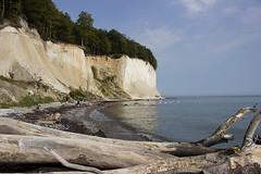 Marie und Max am Meer (feldweg) Tags: jasmund rgen insel meer ostsee kste strand beach baltik kreidefelsen