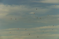 Sunday meeting (ElMalva) Tags: meeting airbaloons gatineauairballoonsfestival gatineau ottawa globos reunin sky cielo exteriores exterior outdoor outdooors sundayafternoon tardedominical tardeveraniega summerafternoon summer verano abel solana mariabelones mariabelonesart wwwmariabelonesartcom