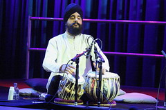 Harmeet Virdee (2016) 04 (KM's Live Music shots) Tags: worldmusic india hindustanimusic harmeetvirdee tabla drums darbarfestival southbankcentre