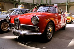 #50 Alfa Romo Giulietta Sprint Veloce 1961 (seb !!!) Tags: auto old red italy paris france rot cars race canon rouge photo rojo italian automobile italia 2000 foto tour image picture competition grand voiture racing course vermelho alfa palais seb gt bild 50 sprint oldtimers rosso italie imagen coup 1961 imagem ancienne automvil optic giulietta anciennes wagen veloce automobil youngtimers 2015 automvel italienne romo berlinette 1100d