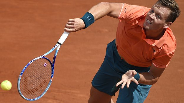 French Open: Tomas Berdych wins comfortably in Paris