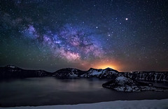 milkyway rising over Crater lake (Sribha Jain) Tags: ourplanet craterlake wizardisland oregon lake milkyway mw night sky stars constellations mountains snow landscapes