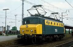 1155  Emmerich  05.06.83 (w. + h. brutzer) Tags: emmerich 11 eisenbahn eisenbahnen train trains railway niederlande holland elok eloks lokomotive locomotive zug ns webru analog nikon
