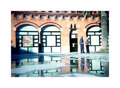 Reflex (Salva G.) Tags: lomography konstruktor color film 400 asa 35 35mm pellicula pelicula analog analogue analogic analogico reflex lofi diy lomo barcelona reflexes reflejos lescorts water light reflections