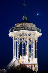 Leopardi (S. Hemiolia) Tags: blue sky moon night blu luna emilia cielo belvedere notturna notte reggio reggioemilia viano franchetti blunotte cavazzone regnano