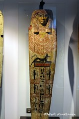 Coffin lid (konde) Tags: anubis ptolemaicperiod coffin sonsofhorus ancientegypt museuegipcidebarcelona hieroglyphs neferiset
