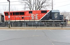 BL20GH-128 USA 04-10-2015_0015 (Ron Persan) Tags: usa trains locomotive danburyct metronorth 2015 connnecticut bl20gh bl20gh128 brookvilleequipment ronpersan