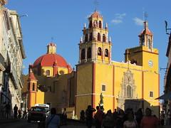 Basilica de Nuestra Señora de Guanajuato (sftrajan) Tags: church méxico mexico basilica unescoworldheritagesite chiesa guanajuato baroque plazamayor eglise oldcity plazadelapaz colonialmexico patrimoniomundialdelahumanidad basilicadenuestraseñoradeguanajuato nuestraseñoradeguanajuato arquitecturanovohispana basilicacolegiatadenuestraseñora