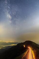 _IMG_4030 (Len) Tags:  102 102    24lii ef24mmf14liiusm 6d milkyway galaxy     traffictrails lighttrails stars sky longexposure  jinguashi landscape milky newtaipeicity shuijinjiu taiwan