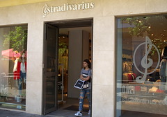 Stradivarius at Jerez (Cross Duck) Tags: shop store spain andalucia jerez clothingshop spanishshop