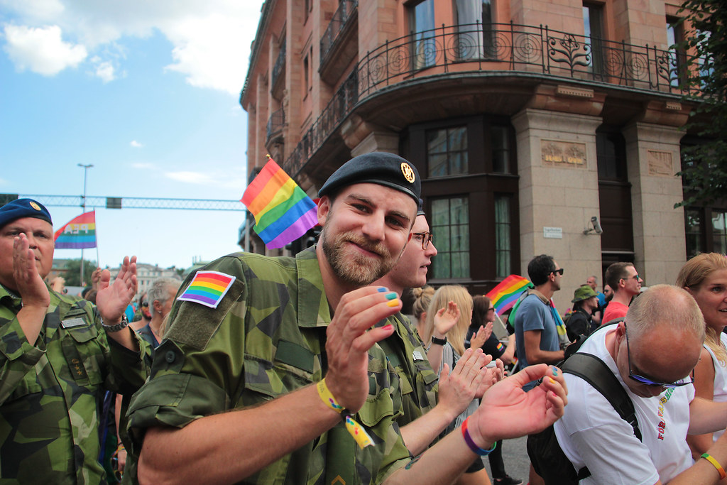 Gay online dating Ruotsi