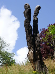 Pannett owls (Nekoglyph) Tags: yorkshire whitby pannettpark wood carved sculpture publicart trees green owls squirrel steveiredale chainsaw trunk clouds sky white blue