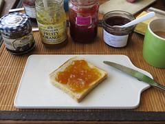 Orangenmarmelade auf Toast (multipel_bleiben) Tags: essen frhstck toast marmelade