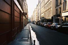 Late afternoon, Paris (Amelien (Fr)) Tags: 100 2016 40mm amh analog argentique believeinfilm c41 cl capturedonrealfilm ektar film kodak leica pellicule summicron summicronc filmisnotdead