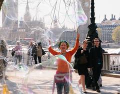 Bubble Lady (SkylarkUK) Tags: uk london thames big ben parliament bubbles streetartist streetperformer