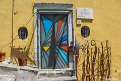 #TourToDoor (atrialbyfire) Tags: porta door doors tour tourtodoor napoli naples napoles gradini petr petraio salita scale scalinata scala