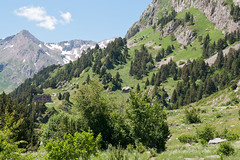 Valle de Ests (felixcontrerassanchez) Tags: mountain primavera huesca montaa benasque pirineos valledeestos refugiodeestos