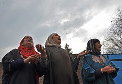 Wailing (Anam lone.) Tags: people india colors women colours mourning killing photojournalism funeral conflict killed gloom civilian reportage wailing indianarmy kashmiriwomen womeninconflict kashmirconflict indianforces conflictinkashmir gettyimagesreportage innocentkilling