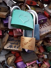 I love you! (Magic M.) Tags: love locks lovelocks hohenzollernbridge cologne kln hohenzollernbrcke liebesschlsser paare couples