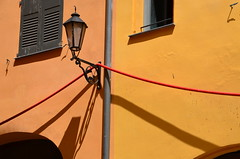 (Jean-Luc Lopoldi) Tags: sunshine wall soleil shadows cable lantern sud ombres