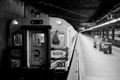 (Terrini) Tags: grandcentralterminal nyc newyorkcity city citylife culturalcapital masstransit metropolis metropolitanarea publictransit rapidtransitsystem subway transportationsystem urban