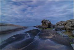 Calma al amanecer. (antoniocamero21) Tags: rocas agua mar amanecer cielo paisaje marina color foto sony exposicin larga planes roques calonge girona brava costa catalunya