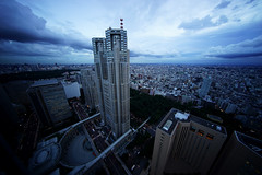 Day 214/366 : Moving Clouds (hidesax) Tags: 214366 movingclouds tocho tokyometropolitangovernmnetbuilding cityscape skyline clouds dusk shinjuku tokyo japan hidesax sony a7ii voigtlnderheliarhyperwide10mmf56asphericalvmmount 366project2016 366project 365project