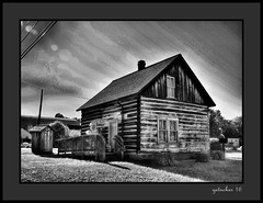 Log Cabin Michigamme MI (the Gallopping Geezer 3.8 million + views....) Tags: smalltown backroads michigamme mi michigan upperpeninsula ghosttown abandoned decay decayed worn faded derelict lumber rural country countryside building structure old historic history canon 5d3 tamron 28300 geezer 2016