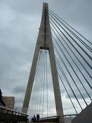 Tirantes (Solamente Itan) Tags: puente pasarela fuengirola tirantes safecreative1505023998406