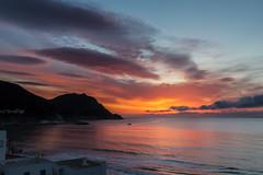 Nace el dia en San José (chuscordeiro) Tags: sky españa sun sol canon mar mediterraneo sanjose andalucia amanecer cielo nubes 7d turismo almeria cabodegata 1755 doñapakita