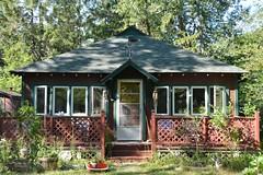 Island cottage (hogtown_blues) Tags: house toronto ontario canada architecture cottage torontoislands wardsisland torontoislandpark