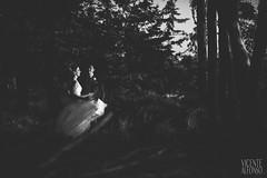 Bride and Groom wedding day (Vicente Alfonso) Tags: wedding light white black blanco luz forest sunrise atardecer groom bride spain couple day y pareja negro boda bosque villa carolina enrique casas bodas novia novio hermita forst navalmoraldelamata reportaje angustias jaraiz xaraiz