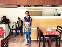 Meet Our New Caf Manager (Mayank Austen Soofi) Tags: new our caf saw day delhi first her manager yesterday somewhere meet munnar walla job