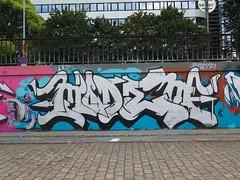 Nantes, Modem (Zerbi Hancok) Tags: nantes nantesgraffiti nantesstreetart quaidelaloire quai graffiti graff streetart walls
