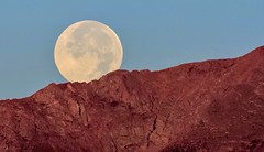 Moon setting over the Colorado Front Range (not one of my most clearest shots but one of my personal favorites). (KWinters Photography) Tags: red moon mountains colors nikon colorado flickr outdoor sigma frontrange d7200 sigma150600mm